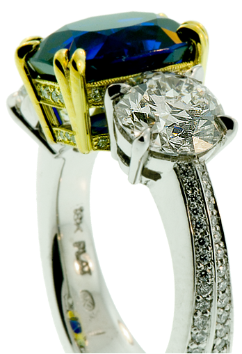 Handcrafed, 18k and platinum ladies ring with sapphire and diamonds - old world craftmanship with modern precision tooling, beautiful design, heirloom quality manufacture, fine jewelry